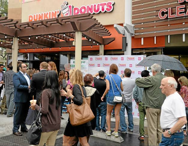 popularity of dunkin donuts
